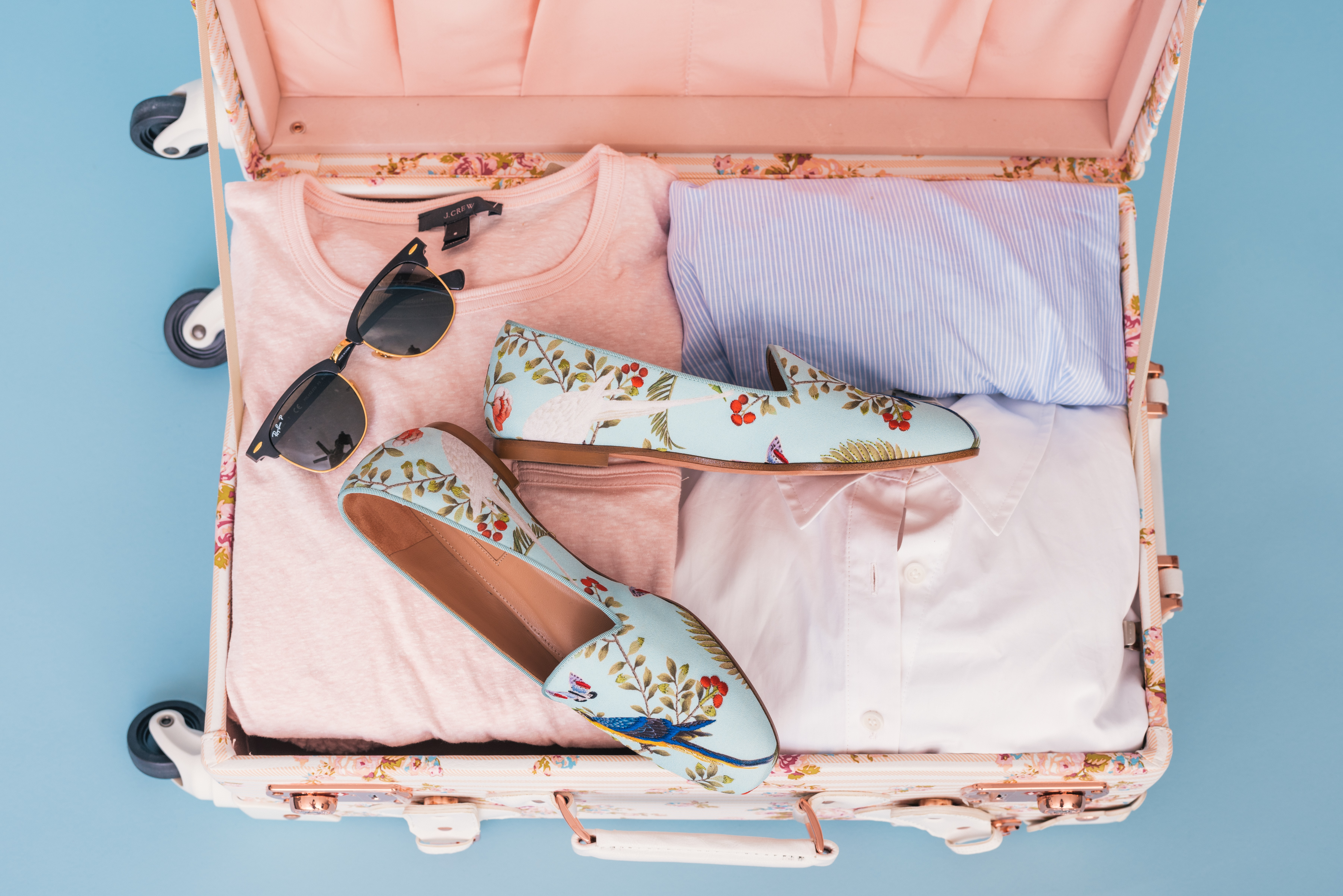 Going-on-a-Trip-How-to-Travel-Light-and-Pack-Smart
